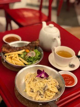 Foto 3 - Makanan di The Real Holysteak oleh Makan2 TV Food & Travel