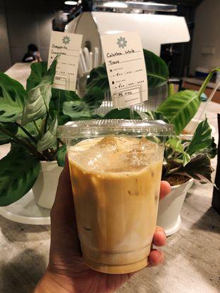 Foto 5 - Makanan(Kopi) di Emmetropia Coffee oleh kdsct