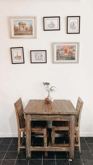 Foto 4 - Interior di PLUIE Cafe & Resto oleh feedthecat