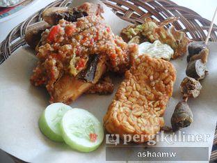 Foto 1 - Makanan di Ayam Gepuk Pak Gembus oleh Asharee Widodo