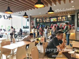 Foto 1 - Interior(Ruangan indoor) di KFC oleh Andriani Wiria