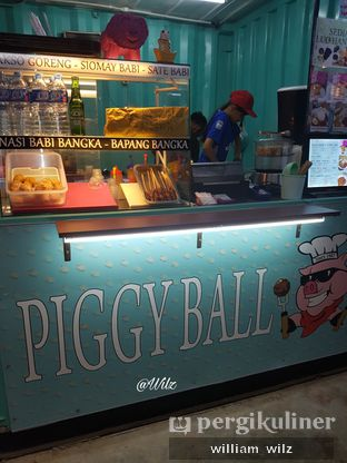 Foto 2 - Interior di Piggy Ball oleh William Wilz