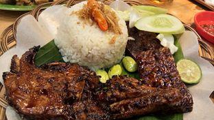 Foto 3 - Makanan(Paket A liwet) di Ayam Bakar Tujuh Saudara oleh Komentator Isenk