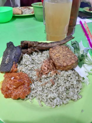 Foto review Nasi Uduk Ijo Teh Dede Khas Bogor oleh @muskEATeers  1