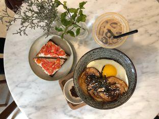 Foto 2 - Makanan di Guten Morgen Coffee Lab & Shop oleh Mitha Komala