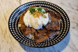 Foto 1 - Makanan(Gyutan truffle donburi) di Fat Shogun oleh Pengembara Rasa