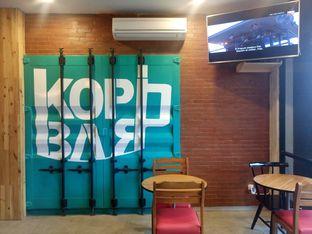 Foto 10 - Interior di KopiBar oleh yudistira ishak abrar