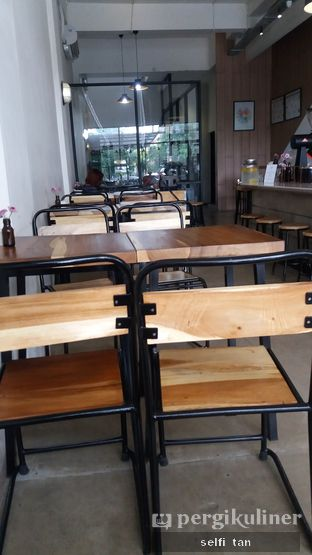 Foto 5 - Interior di The Caffeine Dispensary oleh Selfi Tan