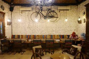 Foto 16 - Interior di Ol' Pops Coffee oleh yudistira ishak abrar