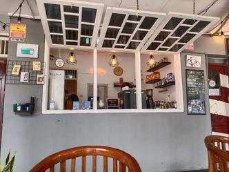 Foto Interior di Dulu Kala Coffee & Barbershop