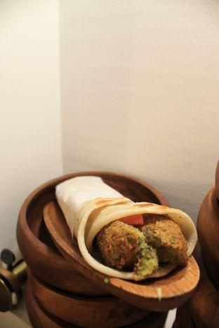 Foto 17 - Makanan di Emado's Shawarma oleh Prido ZH
