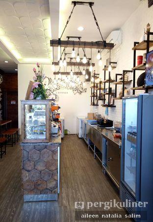 Foto 5 - Interior di Northsider Coffee Roaster oleh @NonikJajan
