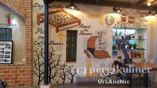 Foto 6 - Interior di Terroir Coffee & Eat oleh UrsAndNic