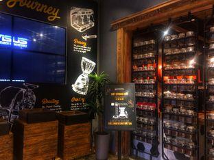 Foto 4 - Interior di Upnormal Coffee Roasters oleh Putri Miranti  Allamanda