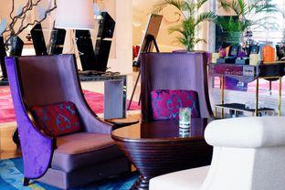Foto 30 - Interior di The Writers Bar - Raffles Jakarta Hotel oleh Indra Mulia
