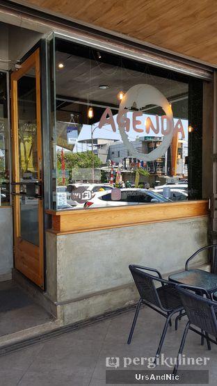 Foto 7 - Interior di Agenda Coffee Bistro oleh UrsAndNic
