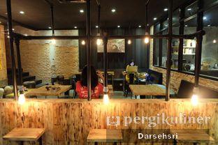 Foto 7 - Interior di Watt Coffee oleh Darsehsri Handayani
