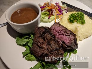 Foto 2 - Makanan(Tenderloin Steak) di Braga Art Cafe oleh Rifky Syam Harahap | IG: @rifkyowi