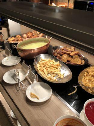 Foto 15 - Makanan di The Cafe - Hotel Mulia oleh Freddy Wijaya