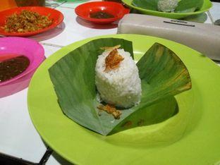 Foto 2 - Makanan(Nasi Uduk) di Nasi Uduk Kebon Kacang Puas Hati oleh Clara Yunita