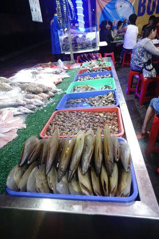 Foto 5 - Interior di Bola Seafood Acui oleh Nanakoot