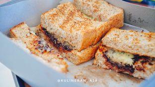 Foto - Makanan(Roti Gandum Ririungan Coklat Susu Keju) di Roti Gempol oleh @kulineran_aja