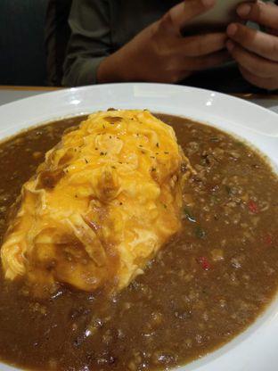 Foto 4 - Makanan(Minced Beef Omelette Curry (IDR 74k)) di Coco Ichibanya oleh Renodaneswara @caesarinodswr