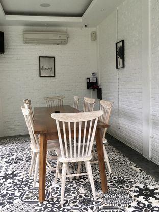 Foto 11 - Interior di de'CLAN Resto & Cafe oleh Prido ZH