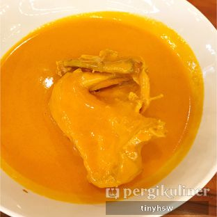 Foto 3 - Makanan(ayam gulai) di Padang Merdeka oleh Tiny HSW. IG : @tinyfoodjournal