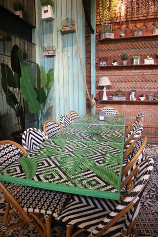 Foto 6 - Interior di ROOFPARK Cafe & Restaurant oleh yeli nurlena