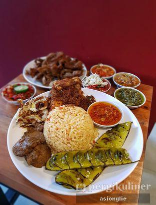 Foto 2 - Makanan di Sambal Khas Karmila oleh Asiong Lie @makanajadah