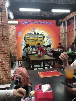 Foto 9 - Interior di Seafood Station oleh Nanakoot