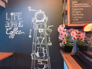 Foto 9 - Interior di Qubico Coffee oleh Astrid Huang   @biteandbrew