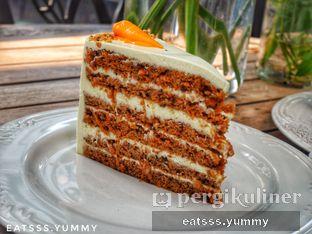 Foto 8 - Makanan(Carrot Cake) di Kopi Kitchen oleh Yummy Eats