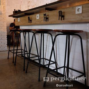 Foto 12 - Interior di Kaffeine Kline oleh Darsehsri Handayani