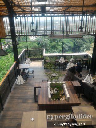 Foto 10 - Interior di Beranda Depok Cafe & Resto oleh dinny mayangsari