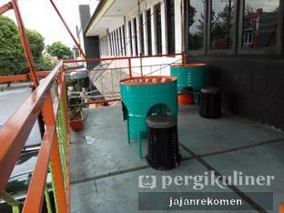 Foto 6 - Interior di Ben's Cafe oleh Jajan Rekomen