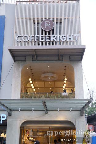 Foto 10 - Eksterior di Coffeeright oleh Darsehsri Handayani