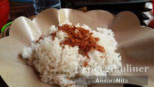 Foto 2 - Makanan(Nasi Uduk) di Ayam Bakar Cha - Cha oleh AndaraNila
