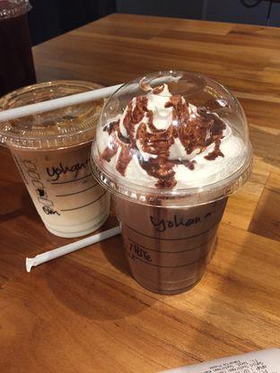 Foto review Starbucks Coffee oleh Yohanacandra (@kulinerkapandiet) 1