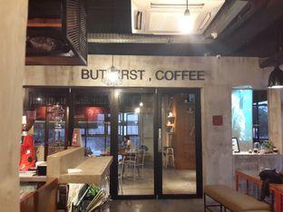 Foto 5 - Interior di Routine Coffee & Eatery oleh @stelmaris