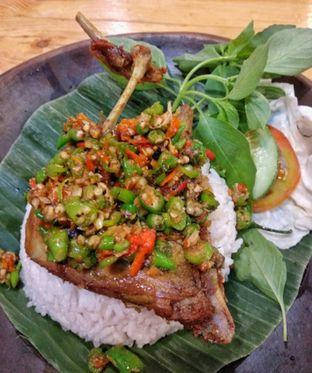 Foto 1 - Makanan(Paket bebek cabe rawit.) di Bebek Semangat oleh Rudi Hermawan