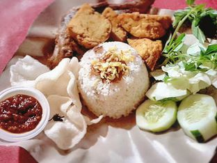 Foto - Makanan di Nasi Uduk Pak Agus oleh Steven Jie