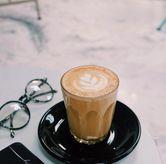 Foto Hot Latte di Monday Coffee
