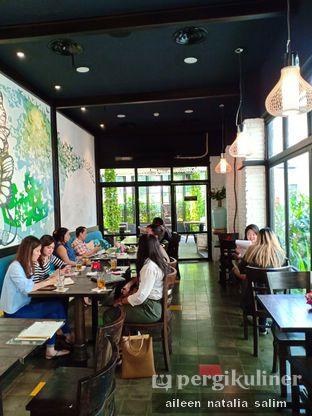 Foto 4 - Interior di Babochkaa Bistro & Coffee Bar oleh @NonikJajan