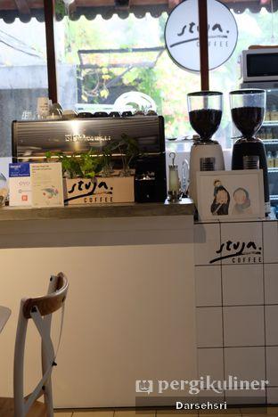 Foto 6 - Interior di Stuja Coffee oleh Darsehsri Handayani
