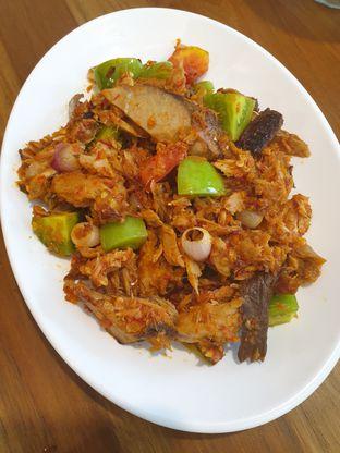 Foto 1 - Makanan(Cakalang fufu rabe rica) di Cia' Jo Manadonese Grill oleh Pengembara Rasa