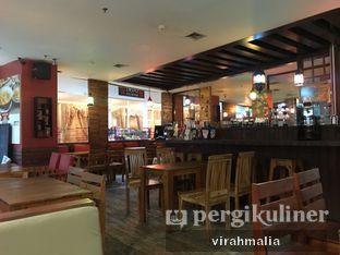 Foto 3 - Interior di Balesere Resto & Cafe oleh delavira