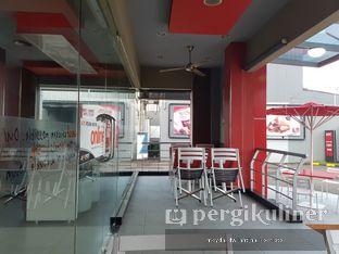 Foto 2 - Interior di KFC oleh Meyda Soeripto @meydasoeripto