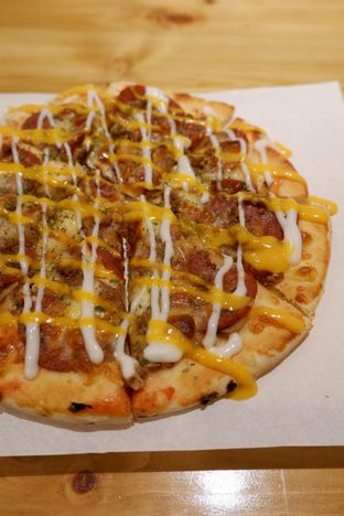 Foto 24 - Makanan di Monster Cheese Pizza oleh yudistira ishak abrar